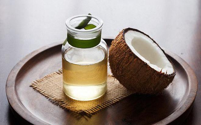 Dầu dừa được tách chiết bằng phương pháp ép lạnh